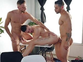 Latino pokes two lucky bottoms during threesome