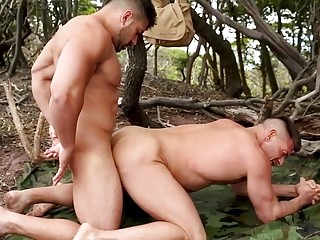 Damien Stone and Bruce Beckham get stranded and fuck to kill time