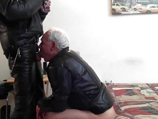 Older leather daddies have anal sex