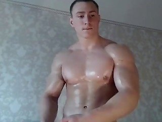 Sweaty bodybuilder uses toys for the most pleasure
