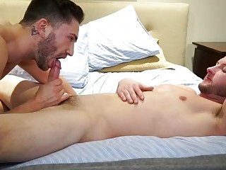 Straight guy agrees to try out a gay fuck