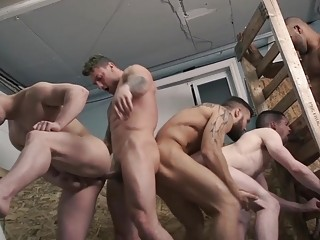 Construction workers end the day with group sex
