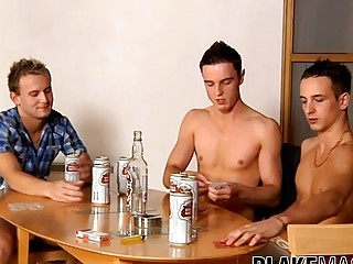 Four British twinks turn a drinking game into analdrilling